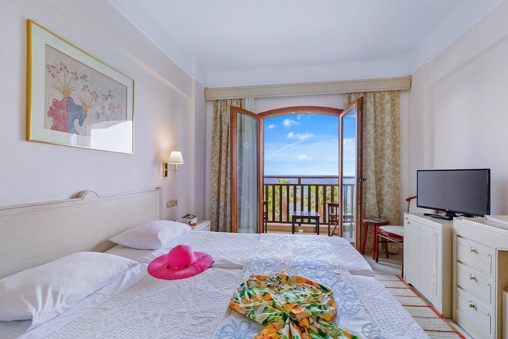 Doppelzimmer (Meerseite) - Copyright © Creta Star